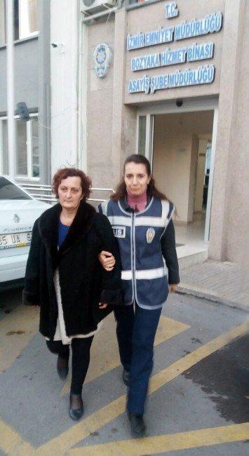 İzmir, Karşıyaka'da Bakıcısı Tarafından Öldürülen Kadın Defnedildi