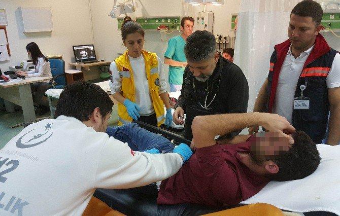 Samsun'da Bulanıma Giren Genç Kendini Bıçakladı