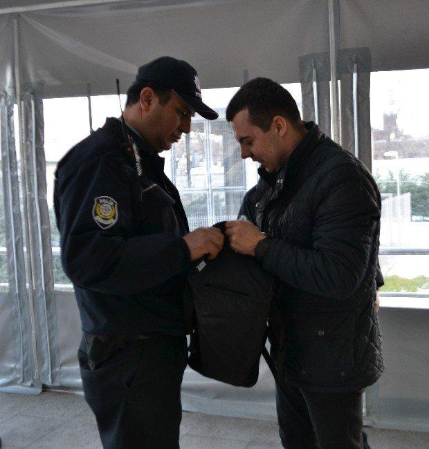 """Marmaray ve Yenikapı İstasyonunda """"Ortaköy Saldırganı"""" Alarmı"""