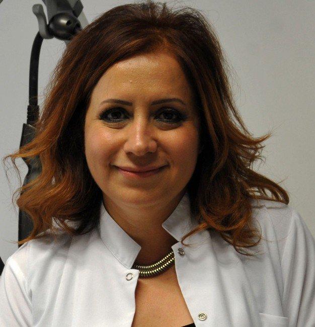 Dr. Dilek Şire Eren: 40'lı Yaşlar Yorgun Görünmek İçin Çok Erken