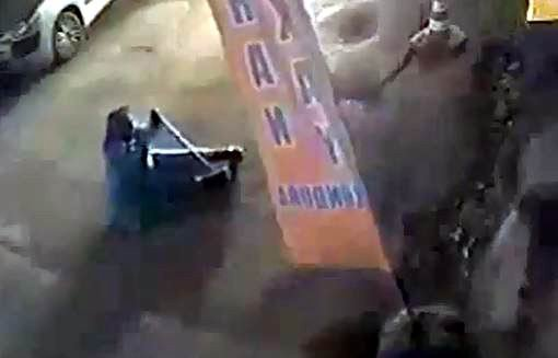Çorlu'da Yaşlı Kadını Gasp Kamerada