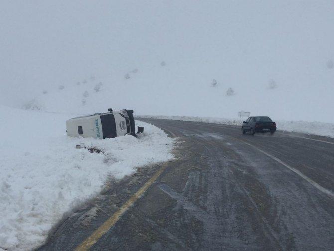 Kar Yağışı Kazalara Neden Oluyor