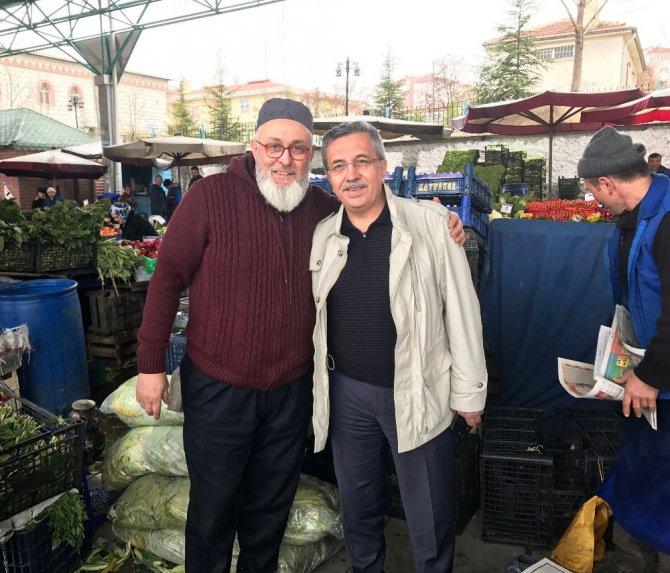 Başkan Çetin Pazar Esnafına Cumhurbaşkanlığı Sistemini Anlattı