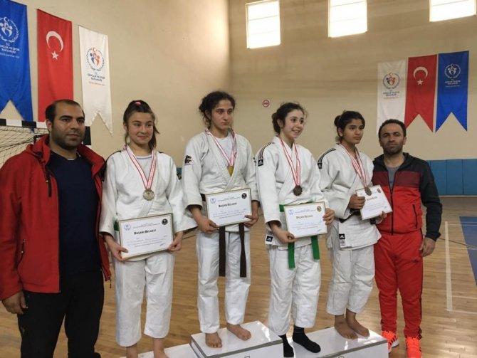 Batman'da 8 Judocu Türkiye Finallerine Katılacak
