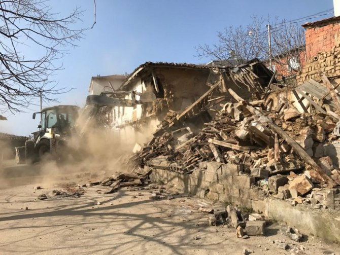 Bursa'da Metruk Binalar Yıkılıyor