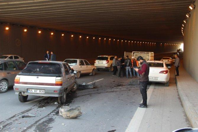 Üç Aracın Karıştığı Kazada, 1 Kişi Yaralandı