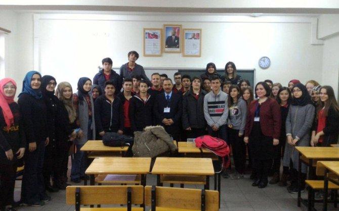 Liseli Öğrenciler Kariyerleri İçin Meslekleri Tanıdı