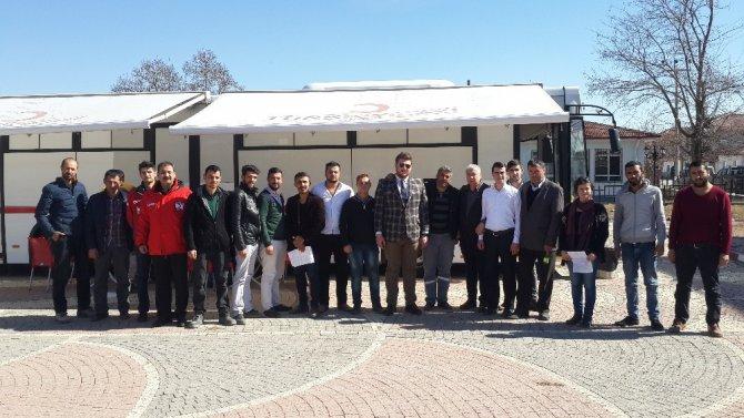 Alpulu Ak Gençler Kızılay'a Kan Bağışladı