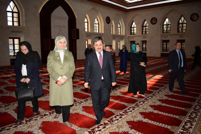 Başbakan Yardımcısı Numan Kurtulmuş'un Eşi Sevgi Kurtulmuş Darende'yi Ziyaret Etti