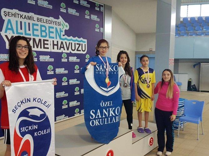 Özel Sanko Okullarının Yüzücüleri Başarıya Doymuyor