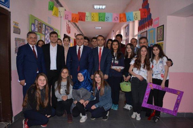 Görele'de Lise Öğrencilerinden 'Matematik Sokağı' Projesi