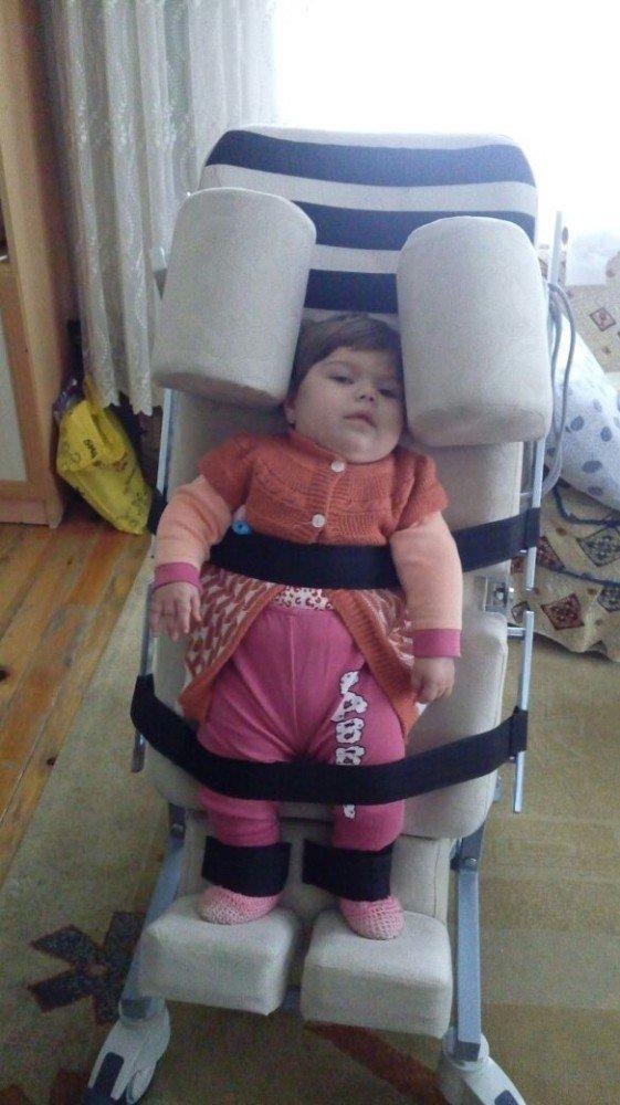 Berre Bebek Yardım Bekliyor