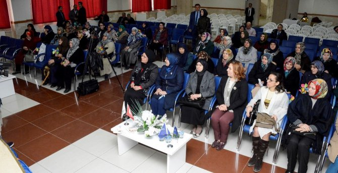"""Meram'da """"Kadın Sağlığı"""" Konulu Farkındalık Eğitimi Düzenlendi"""