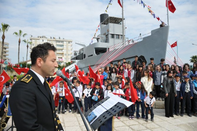 Akdeniz Bölge Komutanlığı Bandosu Tarsus'ta Konser Verdi