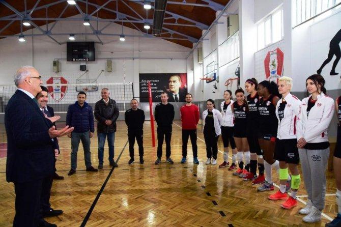 Başkan Yılmaz Voleybol Takımından Şampiyonluk Sözü Aldı