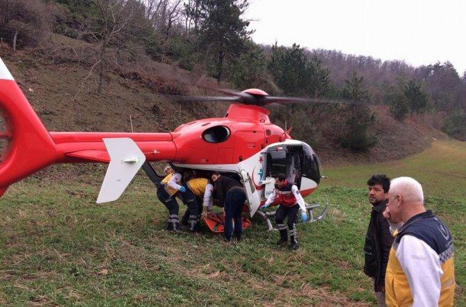 Ağaçtan Düşüp Yamaçtan Yuvarlanan Yaşlı Adamın Yardımına Helikopter Yetişti