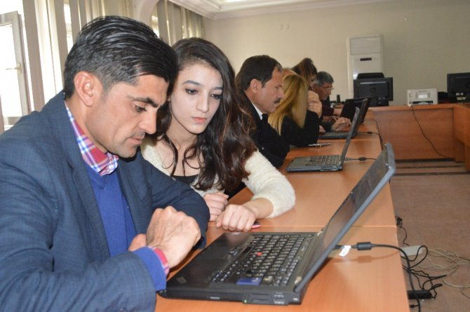 Şırnaklı Muhtarlara İnternet Kullanma Eğitimi Verildi