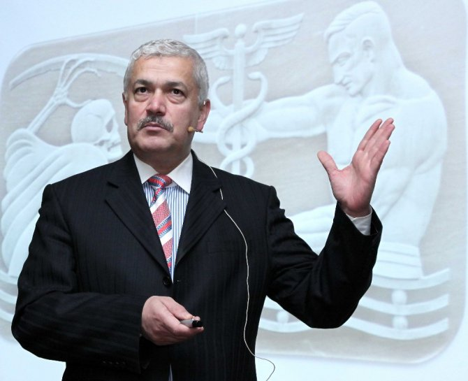 Prof. Dr. Cesur'dan Hekimlik Gözüyle Kader Konferansı