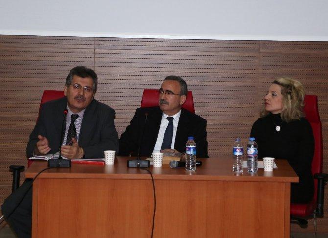Erü'de 'İstiklal Marşı Ve Çanakkale Zaferi Buluşması' Konulu Konferans Düzenlendi