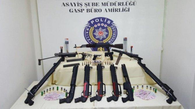 Silahlı Kavgaya Karışan Gruptan Cephanelik Çıktı