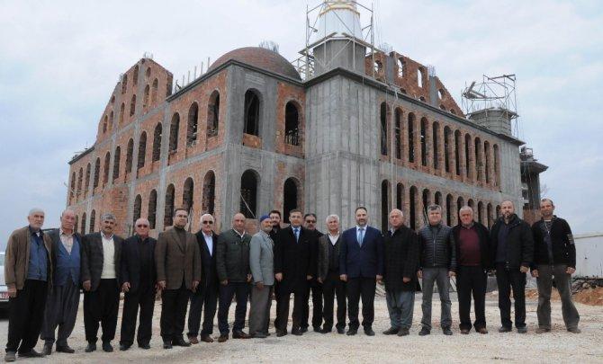 Kaymakam Pamuk, Koyuncu Yeni Merkez Cami İnşaatını İnceledi