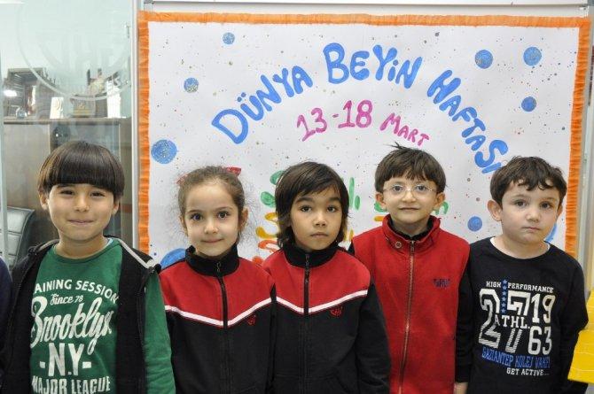 İlkokul Öğrencileri Dünya Beyin Haftasını Kutladı