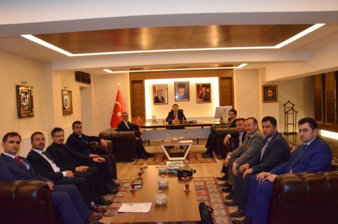 Kahramanmaraş Belediyesi Heyeti, Başkan Musa Işın'ı Ziyaret Etti