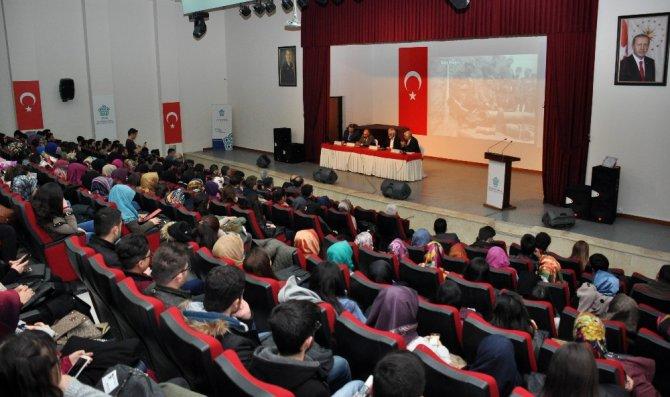 Neü'de, 102. Yıl Dönümünde Çanakkale Zaferi Konulu Panel Yapıldı