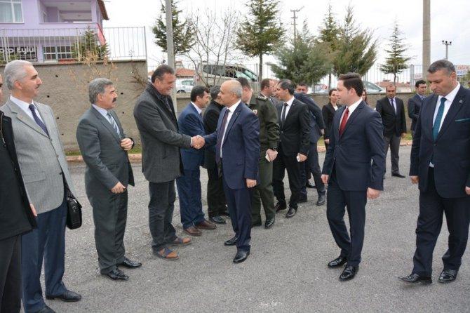Vali Peynircioğlu Altunhisar'da
