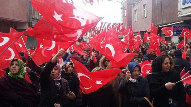 """Bakan Akdağ: """"'Evet'e Karşı Çıkan Politikacılar; Gittiğiniz Yol Sizi Duvara Toslatacak"""""""