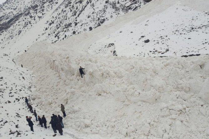 Van-çatak Karayolu Tek Şeritten Ulaşıma Açıldı