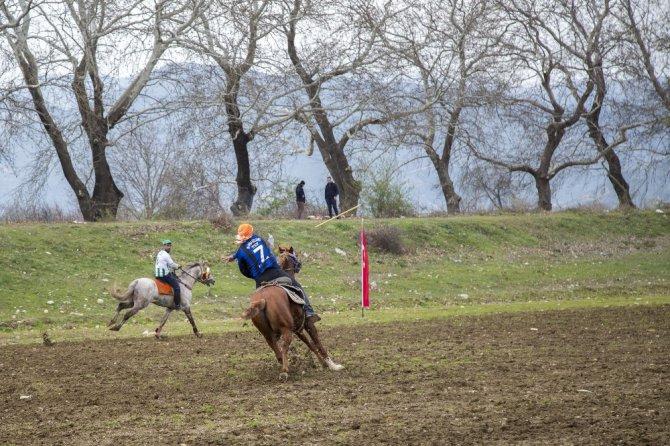 Bursa'da Cirit Oyunları Nefes Kesti