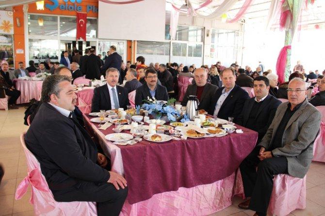 Ak Parti Stk'lara Anayasa Değişikliğini Anlattı