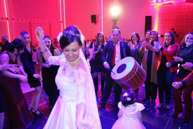 Ukraynalı Gelin Türk Gelenekleri İle Evlendi