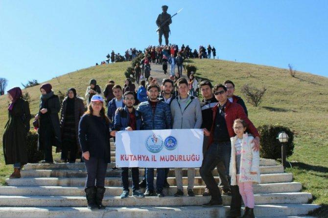 Kyk'lı Öğrenciler Dumlupınar Şehitliğinde