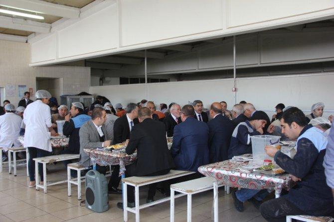 Başkan Özkeçeci Ve Milletvekili Erdoğan Fabrika İşçileriyle Buluştu