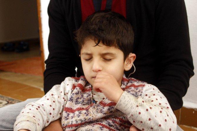 İşitme Engelli Rojbin'in 7 Yaşında İlk Sözü 'Baba' Oldu