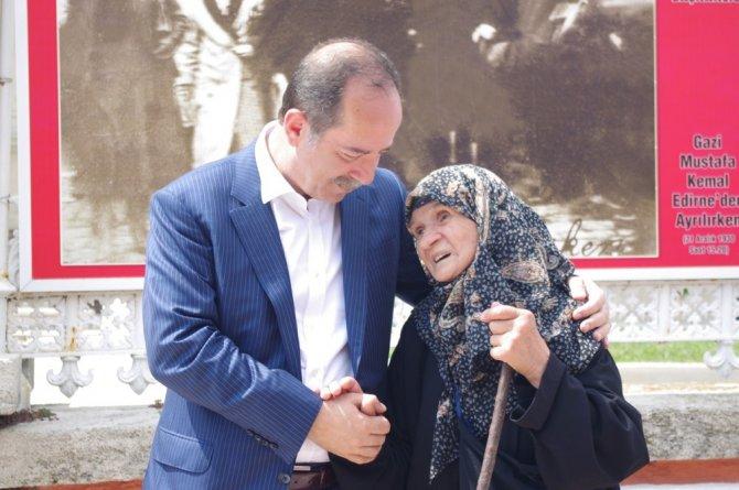 Edirne Belediye Başkanı Gürkan, Yaşlılar Haftası'nı Kutladı