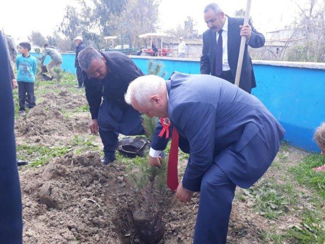Adalı İlkokulu'na 15 Temmuz Şehitler Anıtı