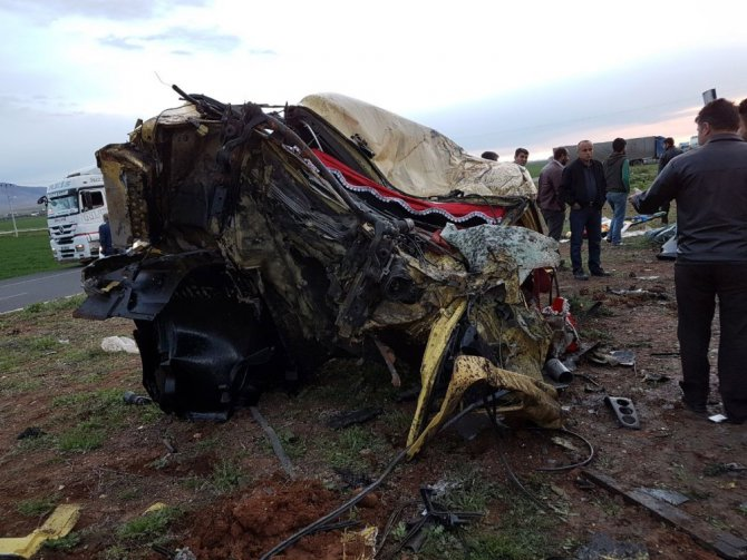 Nusaybin'de Trafik Kazası: 2 Ölü