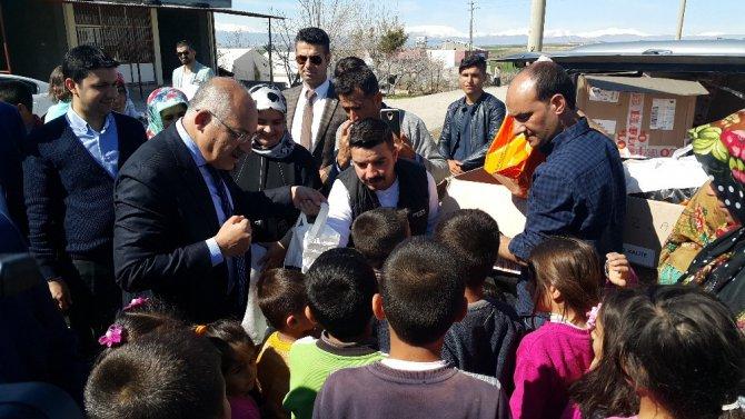 Tim Başkanı Büyükekşi Depremzede Çocukları Sevindirdi