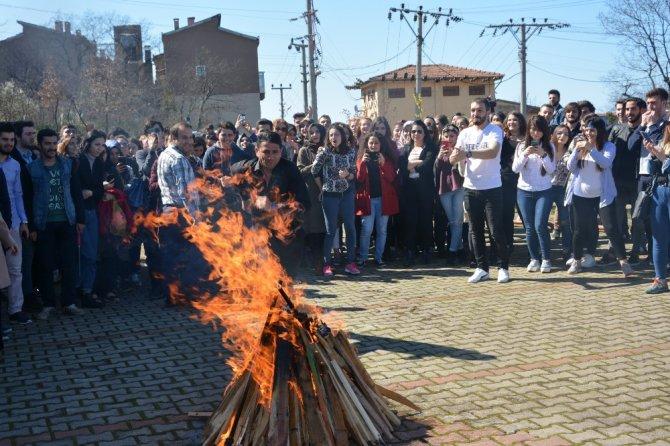 Kdz. Ereğli'de Üniversite Öğrencileri Baharın Gelişini Kutladı