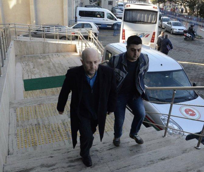 Bylock'tan Gözaltına Alınan Akademisyenler Tutuklandı
