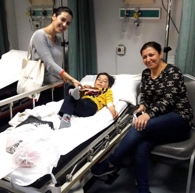 Aydın Medinova Hastanesinden '1 Kalem 1 Fidan' Kampanyası