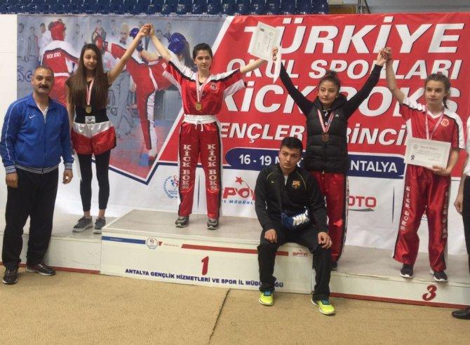 Diyarbakırlı Melek Bektaş'dan Türkiye Birinciliği