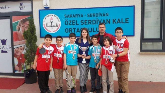 Serdivan Kale Koleji Sporda Başarıya Doymuyor
