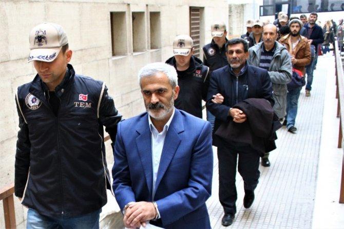 Pkk Operasyonunda Gözaltına Alınan Hdp'liler Adliyeye Sevkedildi