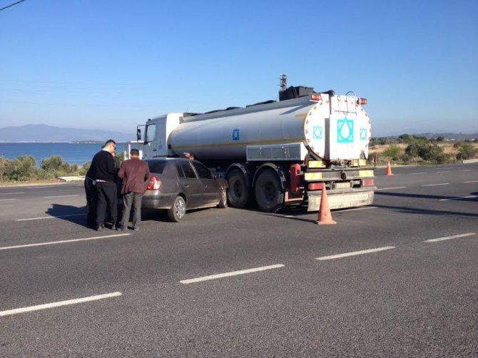 Tankerin Altına Giren Otomobilden Burnu Kanamadan Çıktı