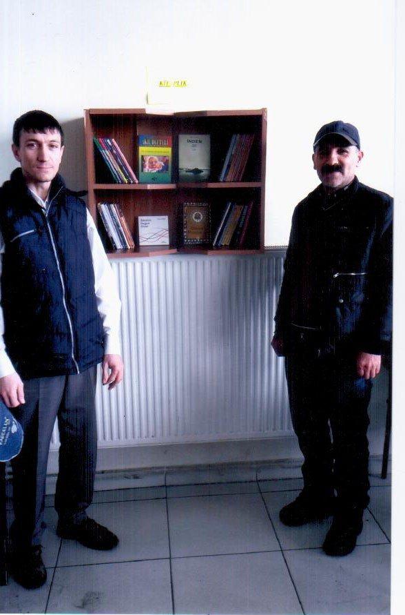 Akşehir'de Çay Ocakları Ve Kahvehanelere Kitap Köşeleri
