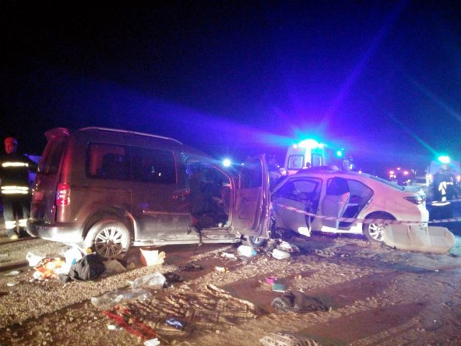 Manisa'da Katliam Gibi Kaza: 2 Ölü, 2'si Ağır 10 Yaralı